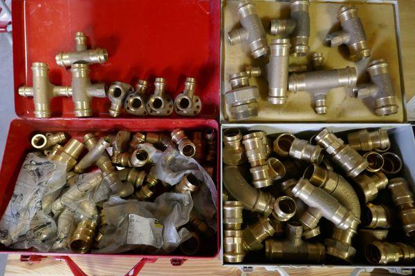 Rohrzangen Schraubenschlüssel Nüsse Schrauben Maschinen