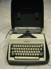 Kofferschreibmaschine Manuell