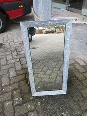 Spiegel mit massivem Metallrahmen Vintage-Look