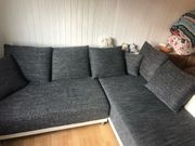 graue Couch in L-Form inkl