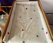 Wickelaufsatz auf Kinderbett