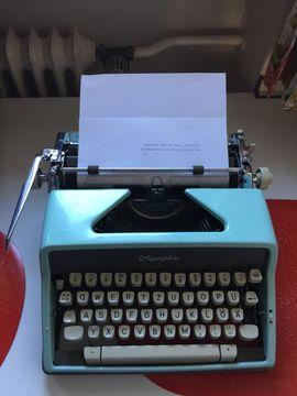 Büromaschinen, Bürogeräte - Schreibmaschine Olympia defektes Zugband