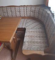 Rustikale Essecke mit 2 Stühlen