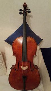 Musiker Cello mit Inschrift aus