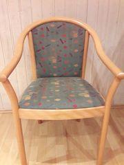 4 bequeme Stühle aus Buche