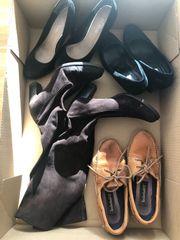 Karton mit Schuhen Größe 37