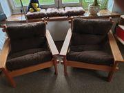 Sessel aus Naturholz und braunem