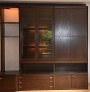 Wohnzimmerschrank mit Glasvitrine zu verschenken