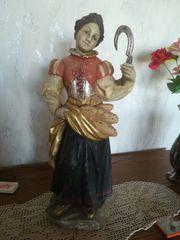Figur aus Holz Frau mit