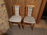 Zwei alte Stühle