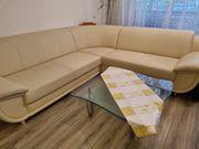 Couch ecke mit Glastisch