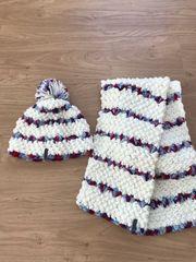 Mütze und Schal von MAUI