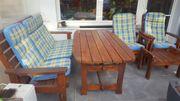 Holz-Gartengarnitur