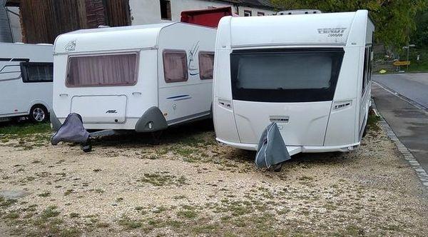 Stellplätze für Wohnwagen Wohnmobil Bootstrailer