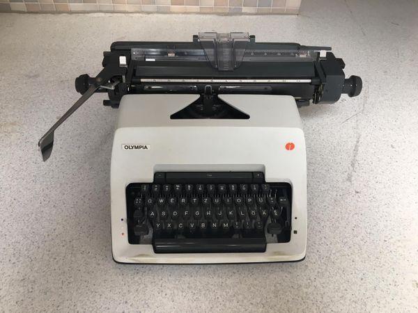 Schreibmaschine Olympia International