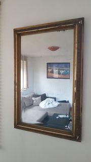 Schöner antiker Spiegel
