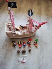 Tolles Piratenschiff aus Holz