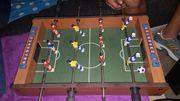 Mini-Tischfußball inkl 2 Spielbällen u
