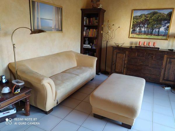 Couch/Sofa von Chalet + riesiger Couchhocker in gelb