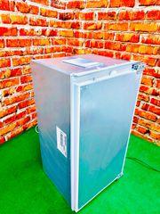 A Einbau-Kühlschrank von Siemens Lieferung