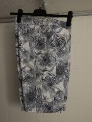 Damen-Knie Shorts von Gina BENOTTI
