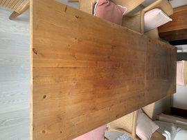 Tisch aus Holz zu verkaufen