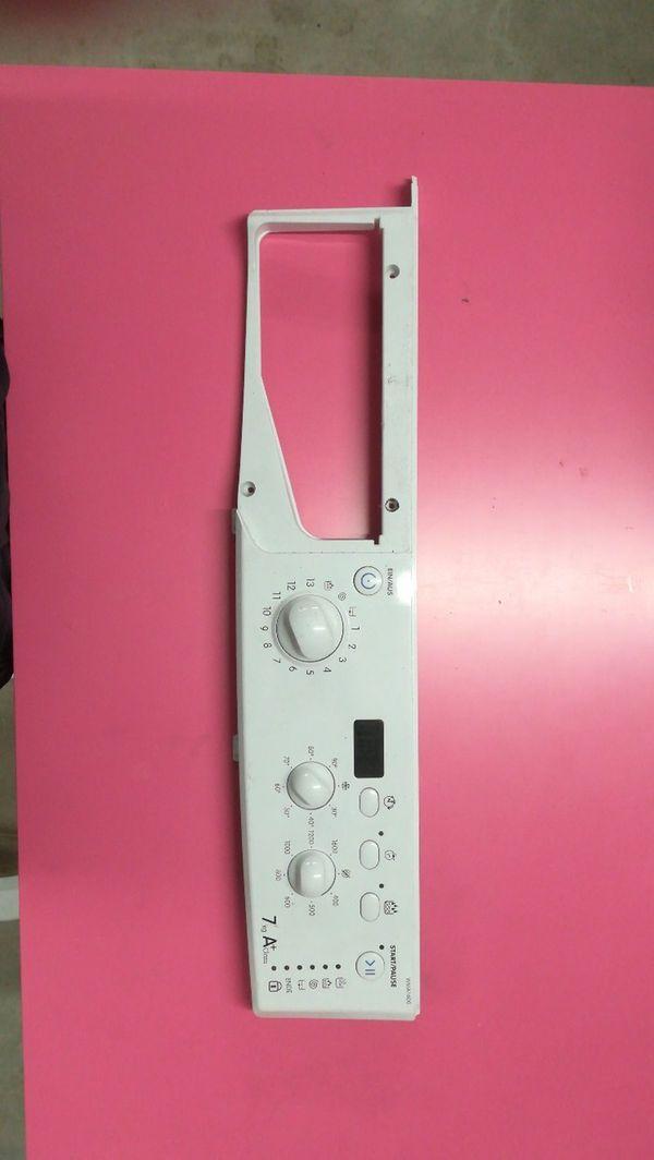 Waschmaschinen Front mit Bedienelektronik