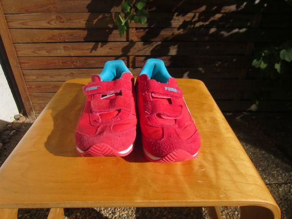 Verkauft! NIKE Schuhe Sportschuhe Hallenschuhe Gr. 32