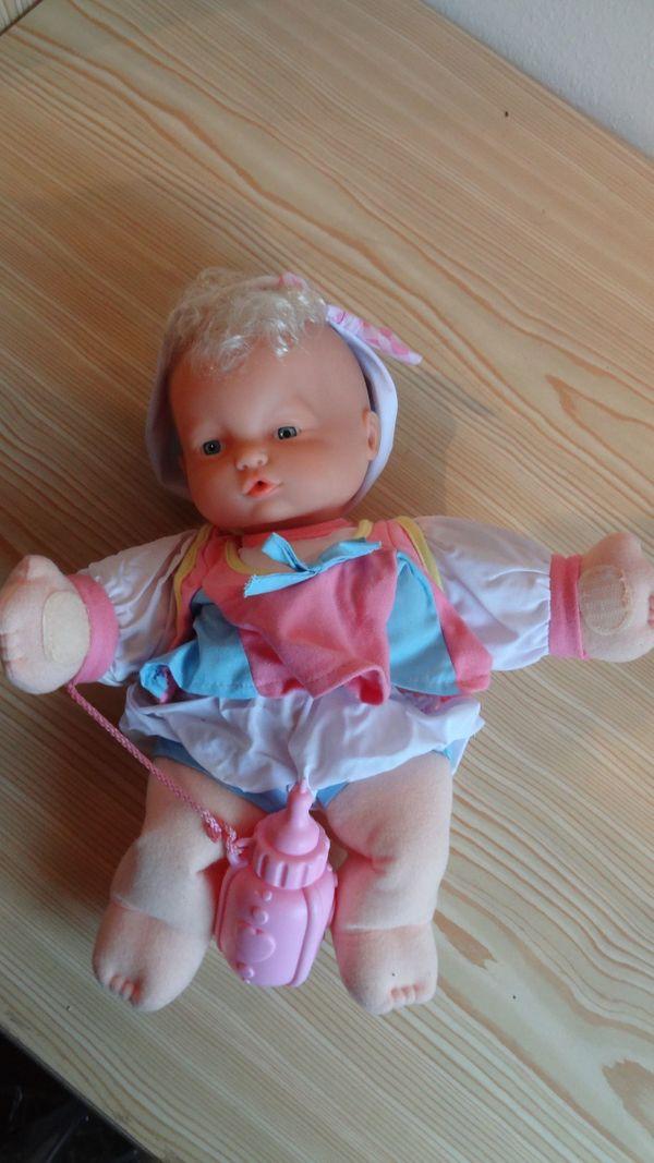 Puppen mittlerer Größe NEU