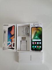 Samsung Galaxy A20e Weiß mit