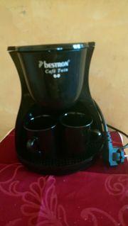 Kaffee- Automat mit zwei Tassen