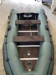 Schlauchboot Motorboot