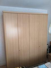 Kleiderschrank 4 Türen in Buchefarben