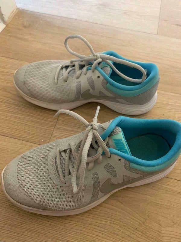 Nike Turnschuh Damen GR 36