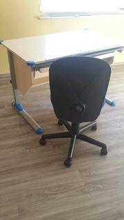 Schreibtisch höhenverstellbar mit passendem Schreibtischstuhl