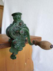 Alter Bohneneschneider antik Gußeisen mit