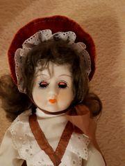 Alte Puppe mit Schlafaugen