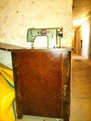 Nähmaschine Schrank