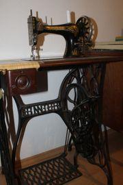 Antike voll funktionstüchtige dekorative Singer-Nähmaschine
