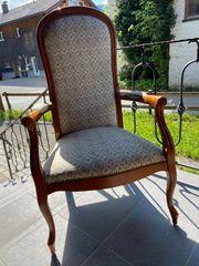 Alter antiker Sessel