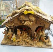 Weihnachtskrippe mit Figuren festverbaut
