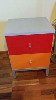 Kommode mit Schubladen - rot orange