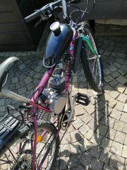 Fahrrad mit 2-Takt-Benzinmotor