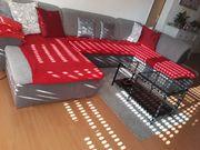 Sofa mit Wohnzimmertisch zu verkaufen