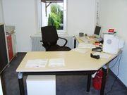 Schreibtisch neuwertig Arbeitsplatte mit Designschnitt