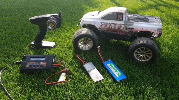 Monstertruck Kyosho DMT VE Brushless