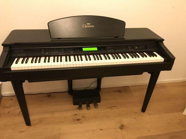 Erteile Klavier Orgel und Keyboardunterricht