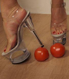 Bild 4 - Fussfetisch Crushing High Heels Nylons - Taunusstein