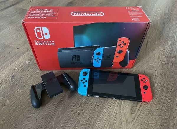 Nintendo Switch Neues Modell Rot