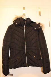 Schwarze Jacke von Pimkie für
